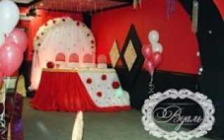 Украшение свадебного зала недорого